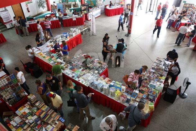 fundacion-librerias-sur-ofrece-800-titulos-filven-vargas-portuguesa_2_2113511