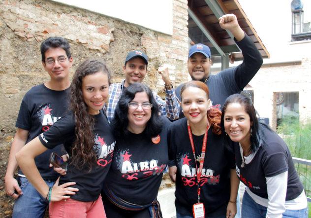 Parte del personal de Alba Ciudad 96.3 FM. Foto: Edward Delgado
