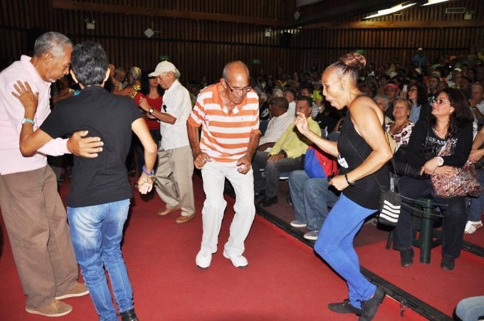 el-publico-disfruto-y-bailo-todos-los-temas-que-interpreto-la-orquesta-en-homenaje-a-los-compositores-venezolanos