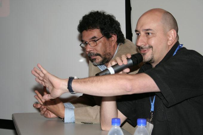 """El primer seminario """"Diseño de la Información"""" se desarrolló con éxito, según manifestaron los asistentes que se dieron cita en el auditorio de Ciudad Banesco, durante 2 días. En la gráfica, Manuel González y Alejandro Calzadilla. Foto: Yony Trigo/Cadena Capriles"""