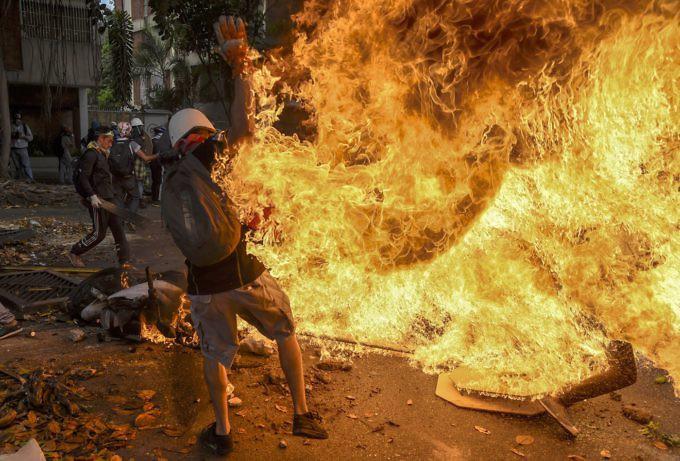 Dictadura de Nicolas Maduro - Página 2 000_O328V-680x461