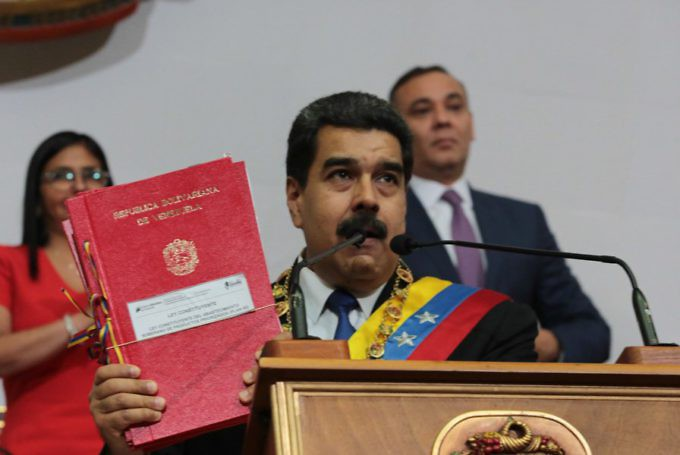 Presidente Maduro se dirige al país desde la ANC (07/09/2017) DJKXDutXYAAt347-680x455