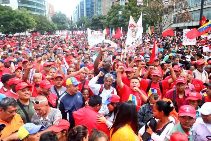 Maduro: Si algo me pasa, ¡retomen el poder y hagan una revolución más radical! - Página 2 Dxm5mxJXQAEd4A4-680x453